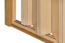 Shrnovací dveře dřevěné borovicové lakované- úzké žluté prosklení