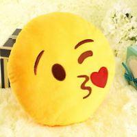 Emoji smajlík dekorativní polštář - polibek polibek