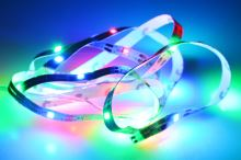 Samolepící LED pásek na baterie (100cm) 30 diod - Multi barevný - 8719987169977